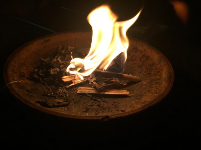 お盆の迎え火と送り火