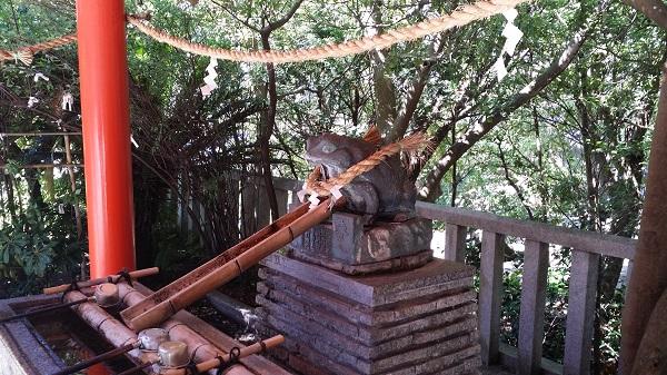 淡嶋神社のカエルの形の手水舎