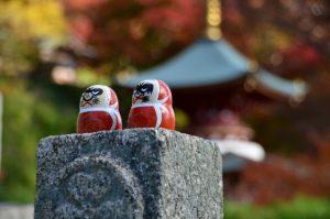 勝尾寺境内のダルマ