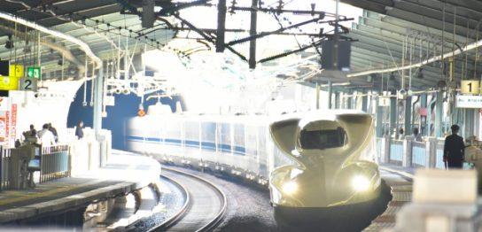 新神戸駅の新幹線
