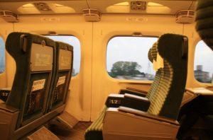 グリーン車座席のシート